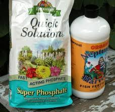 packages of plant fertilisers